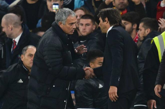 """MU thắng ngược Chelsea: Mourinho """"đổi bài sốc"""", đẩy Conte sát bờ vực thẳm 1"""