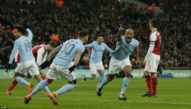 Man City hạ Arsenal vô địch: Guardiola hiên ngang trên đỉnh nước Anh 7