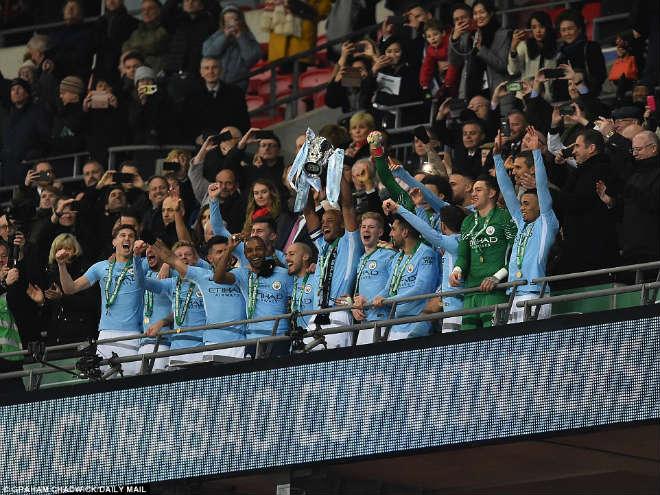 Man City hạ Arsenal vô địch: Guardiola hiên ngang trên đỉnh nước Anh 14