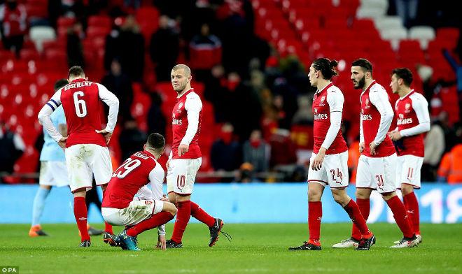 Man City hạ Arsenal vô địch: Guardiola hiên ngang trên đỉnh nước Anh 11
