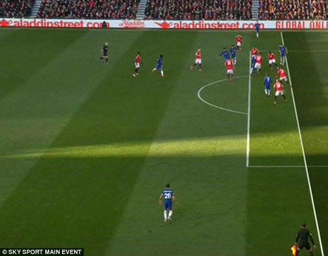 """Nghi án trọng tài bênh MU: Chelsea mất bàn thắng, Conte đòi """"mắt thần"""" 1"""
