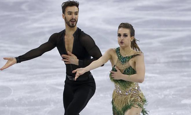 """Tai nạn """"đỏ mặt"""" ở Olympic: Đứt váy, tuột quần, lộ điểm """"nhạy cảm"""" 3"""