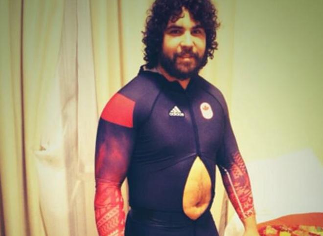 """Tai nạn """"đỏ mặt"""" ở Olympic: Đứt váy, tuột quần, lộ điểm """"nhạy cảm"""" 8"""