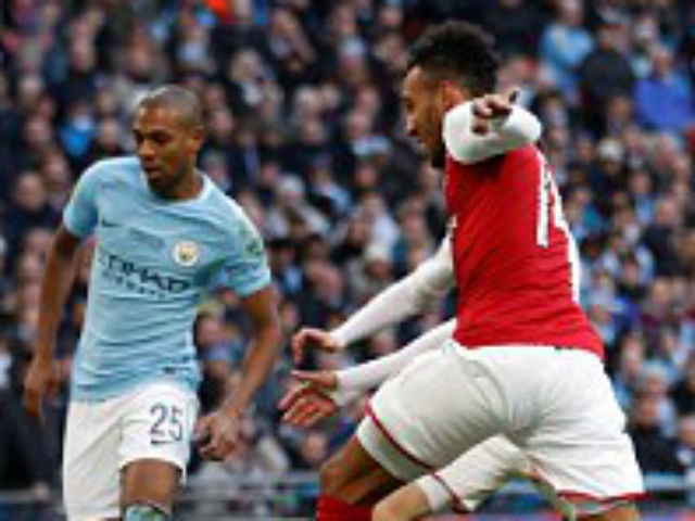 Man City hạ Arsenal vô địch: Guardiola hiên ngang trên đỉnh nước Anh 17