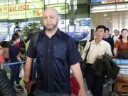 Thể thao - Johnny Trí Nguyễn không tiếp Flores