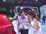 Thị trường - Tiêu dùng - Tranh cãi nảy lửa việc ô tô nhập khẩu tắc đường về VN