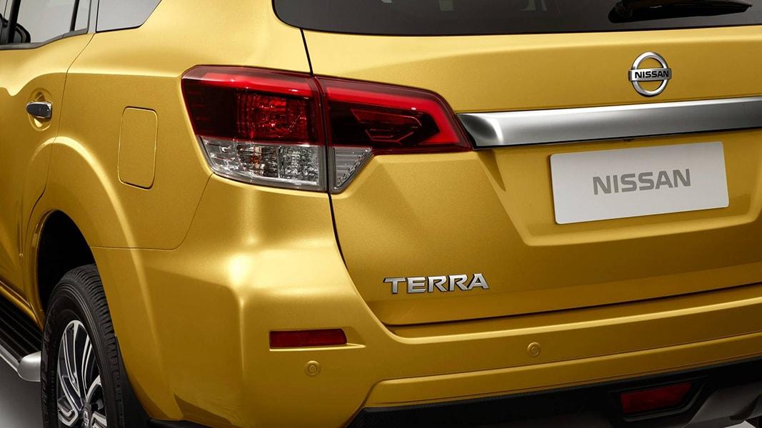 Đối thủ của Toyota Fortuner: Nissan Terra 2018 sắp ra mắt - 3