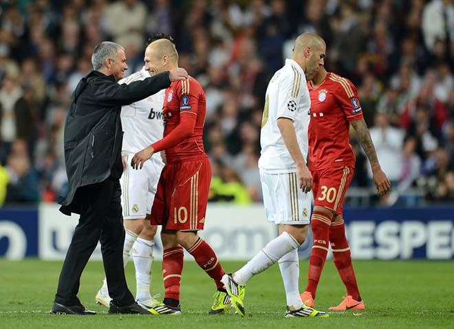 Bom tấn MU: Robben bí mật đến Carrington, Mourinho sửa sai cho Sir Alex 2