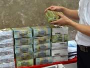 """Tin tức trong ngày - Vụ """"bốc hơi"""" 301 tỉ đồng ở Eximbank: Khách hàng VIP sao lại mất tiền?"""