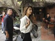 Thể thao - Flores đưa người đẹp đến võ đường, Johnny Trí Nguyễn bất ngờ đón tiếp