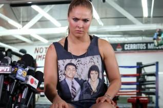 """Ronda Rousey: Nữ hoàng UFC giờ """"lạc trôi"""" nơi đâu? 3"""