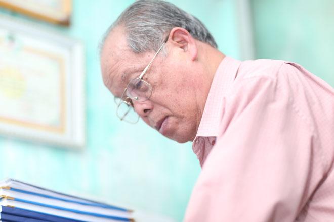 """PGS Bùi Hiền: """"Nhiều người bảo tôi viết chữ cải tiến tiếw Việt để bán"""" - 2"""