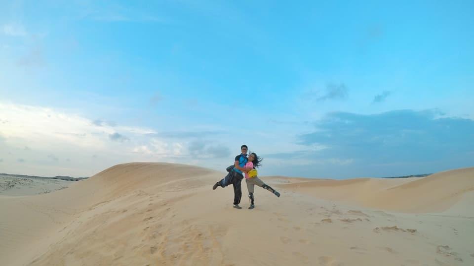 Ghen tỵ với chuyến phượt xuyên Việt bằng xe máy của cặp đôi Hà thành - 9