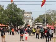 Tin tức trong ngày - Thêm giám đốc điện lực đi lễ đền Trần giờ hành chính