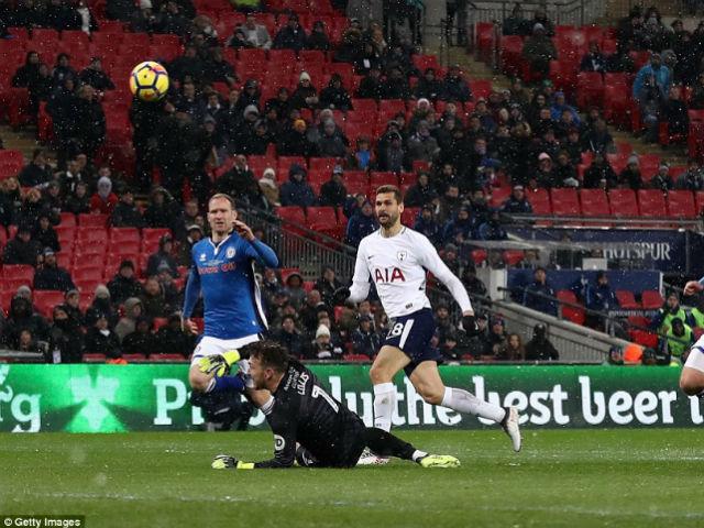 Chi tiết Tottenham - Huddersfield Town: Harry Kane kém duyên (KT) 25