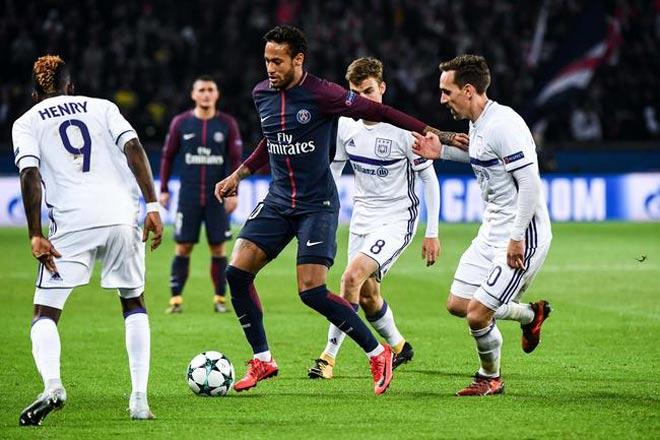 """""""Làm xiếc"""" với bóng: Neymar ăn đứt Messi, Ronaldo """"tầm thường"""""""