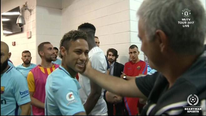 MU quyết gây sốc mua Neymar: Hi vọng từ... Barca, Real sững sờ