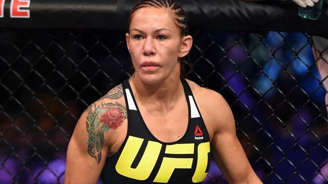 """Nữ quái"" UFC dọa vặn cổ Mayweather nếu dám đấu MMA 1"