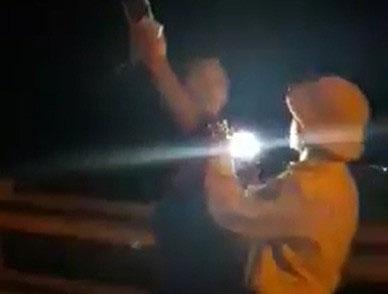 Đình chỉ CSGT rọi đèn pin,