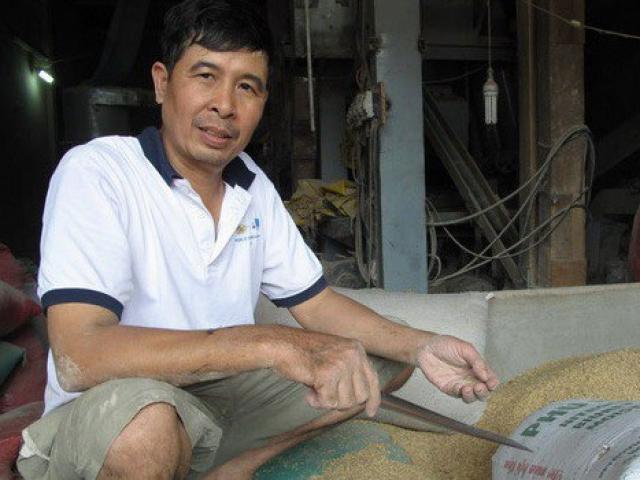 Người đàn ông phát hiện đống vàng trong bao lúa sau 30 năm làm nghề này - 2