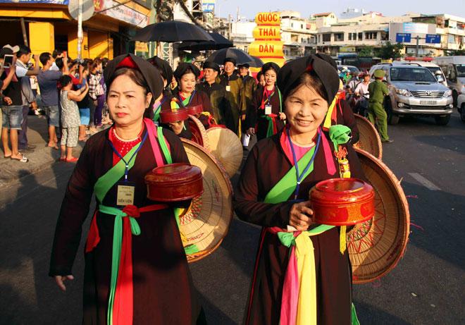 """Tiên nữ đi cà kheo, thầy trò Đường Tăng """"xuất hiện"""" ở Chợ Lớn - 14"""