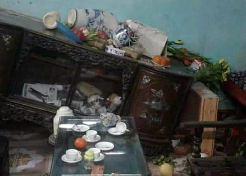 Xông vào nhà chém người, đập bàn thờ đêm 30 Tết