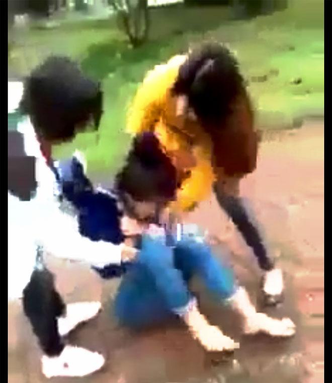 Nữ sinh Hà Tĩnh bị đánh đập, xé áo giữa ban ngày