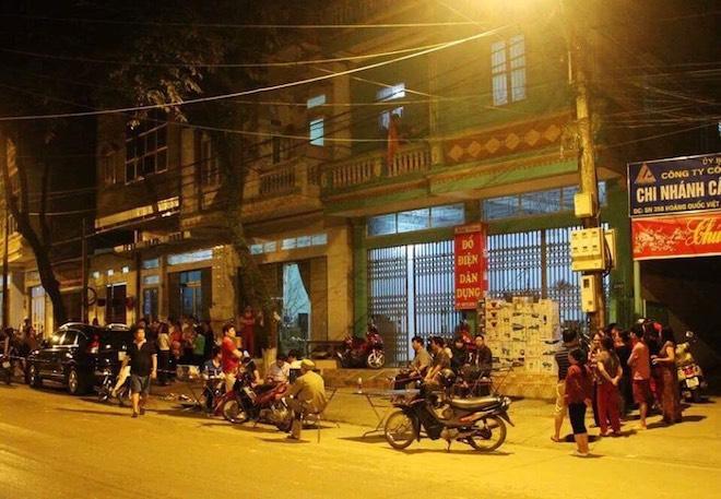 Nóng 24h qua: Sợ báo hoa mai xuất hiện, dân đóng kín cửa nhà - 4