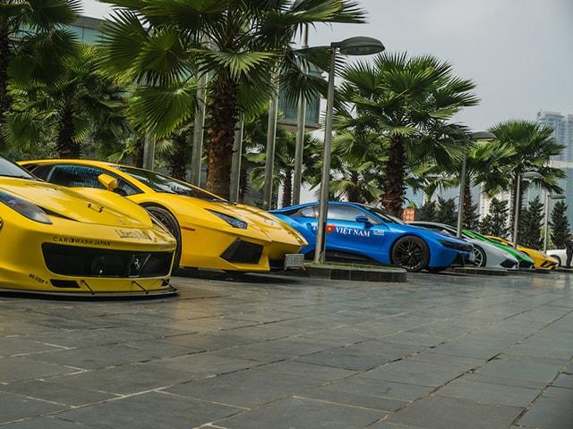 Loạt ảnh siêu xe đến Hà Nội tham dự Car & Passion