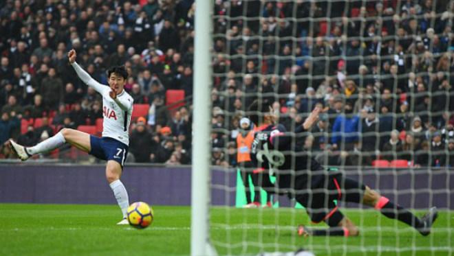 Video, kết quả bóng đá Tottenham - Huddersfield: Cơn cuồng phong choáng váng (H1) 1