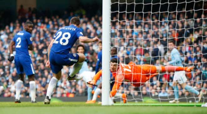 Man City - Chelsea: Sai lầm đầu hiệp 2, hú vía phút bù giờ 8