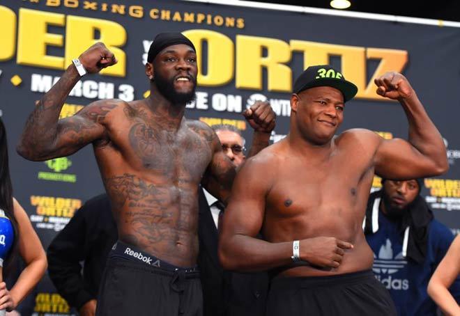 """Vô địch boxing hạng nặng, Wilder - Ortiz: """"Godzilla"""" hạ knock-out """"King Kong"""" 1"""