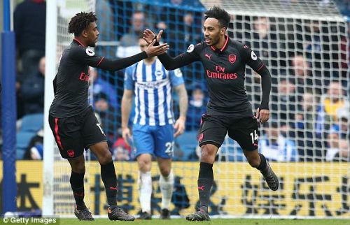 TRỰC TIẾP Brighton - Arsenal: Va chạm kinh hoàng, trận đấu gián đoạn 24