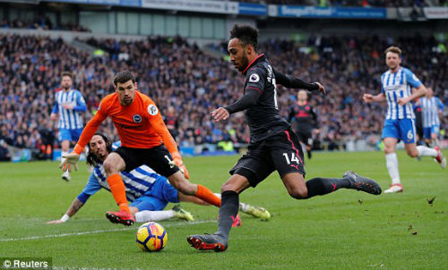 TRỰC TIẾP Brighton - Arsenal: Va chạm kinh hoàng, trận đấu gián đoạn 26