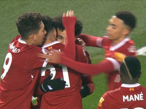 Chi tiết Liverpool - Newcastle: Liverpool mất penalty khó hiểu (KT) 20
