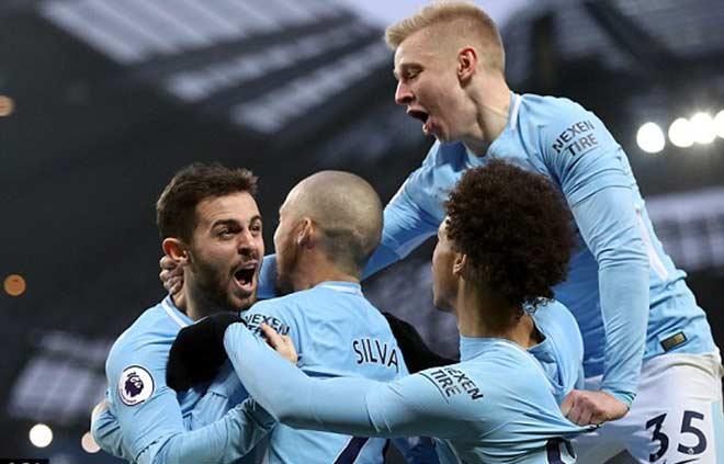 Man City - Chelsea: Sai lầm đầu hiệp 2, hú vía phút bù giờ 9
