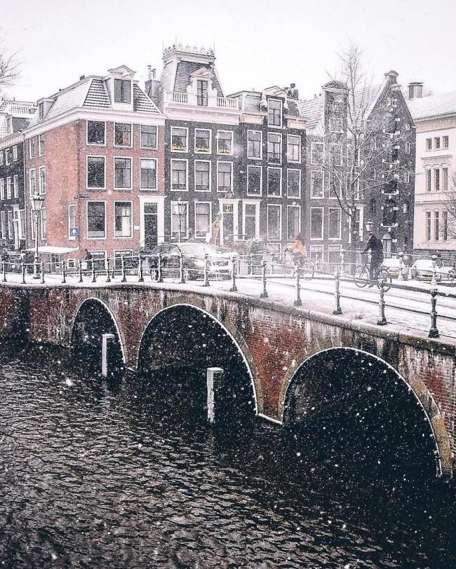 Vương quốc mùa đông thêm lung linh ảo diệu dưới trời mưa tuyết - 6