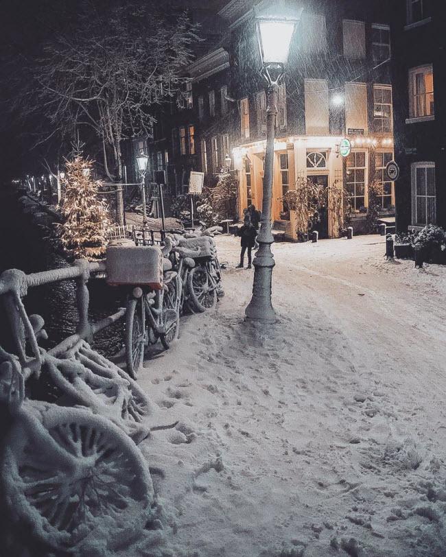 Vương quốc mùa đông thêm lung linh ảo diệu dưới trời mưa tuyết - 2