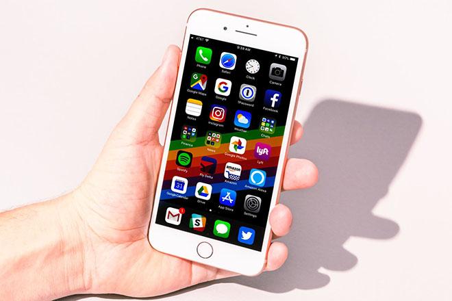 Xếp hạng những chiếc iPhone bạn có thể mua luôn và ngay - 2