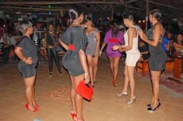 Đời cay đắng của gái mại dâm Kenya bán thân cho 5.000 khách