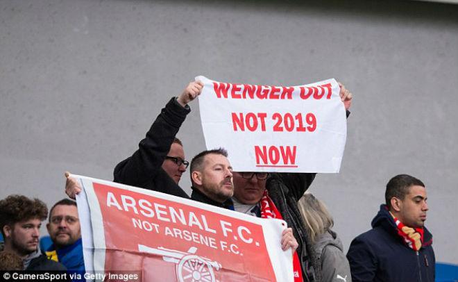 Bi kịch Arsenal: Wenger gan lỳ giữ ghế nóng, trò cũ đòi tiếm quyền 2