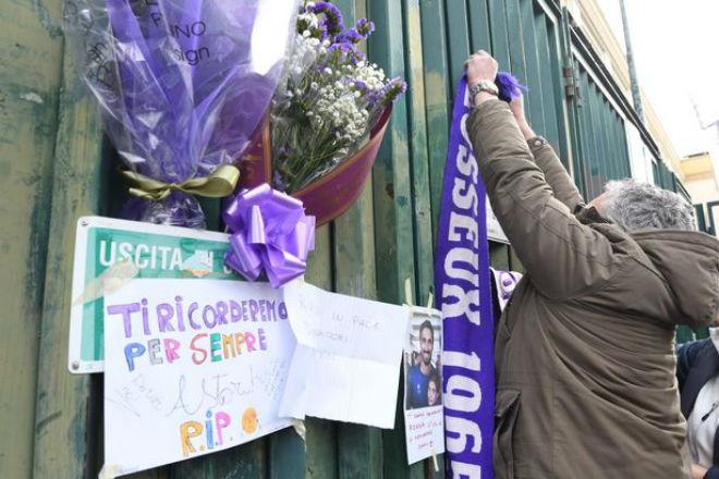 SAO Fiorentina qua đời, Serie A hoãn đấu: Huyền thoại tiếc thương, châu Âu xót xa - 12