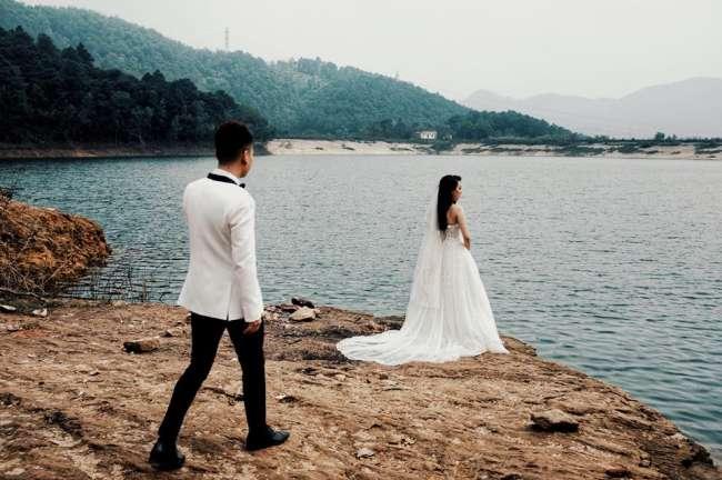 Khắc Việt hé lộ hậu trường chụp ảnh cưới với bạn gái DJ nóng bỏng - 3