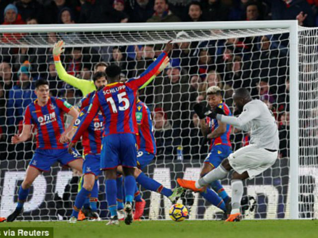 """MU thủng lưới """"ngây thơ như trẻ con"""": Mourinho tức điên chửi thề 2"""