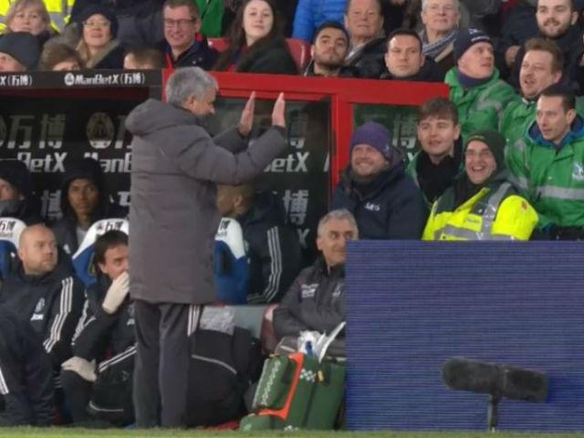 """MU thắng ngược liên tiếp: Giá như Mourinho dùng """"máy sấy tóc"""" sớm hơn 4"""