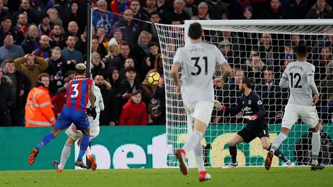 """MU thủng lưới """"ngây thơ như trẻ con"""": Mourinho tức điên chửi thề"""