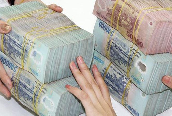 Ngân hàng đua khuyến mại 'hút' tiền gửi có đáng ngại?