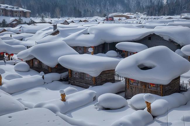Theo chân người Việt đến những ngôi làng tuyết phủ đẹp như cổ tích