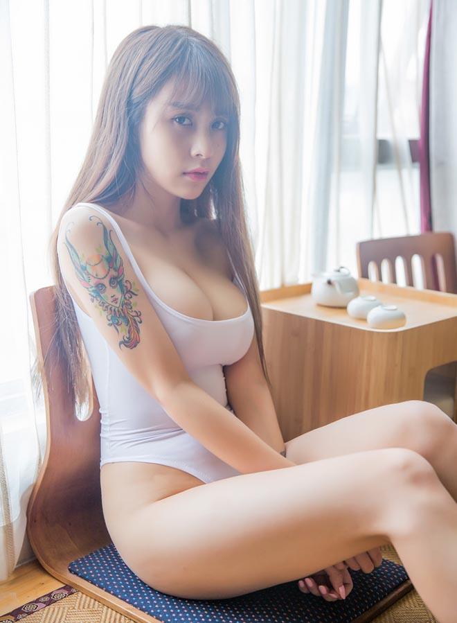 Những hot girl tuổi trăng tròn mê xăm hình ở Trung Quốc - 7