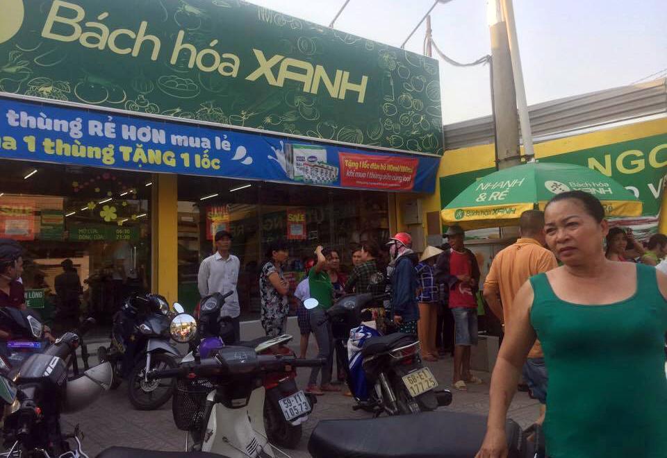 Người đàn ông bốc cháy như đuốc trước cửa hàng ở Sài Gòn